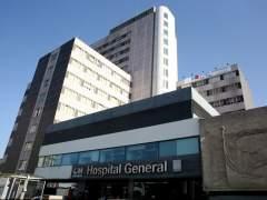 Cifuentes lanza un plan de más de 1.000 millones de euros para mejorar los hospitales públicos