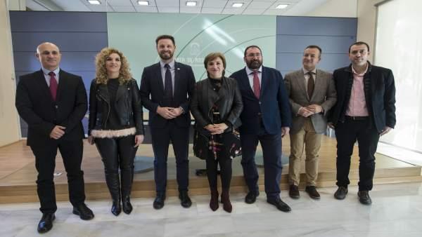 Delegados de la Junta en Granada presentan a los galardonados por el 28-F