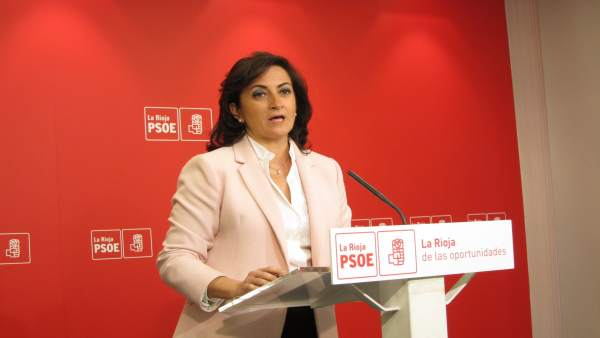 Concha Andreu del PSOE en comparecencia de prensa