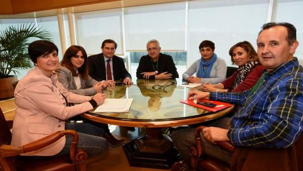Reunión del presidente de la Diputación de Granada con los sindicatos