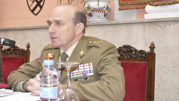 El general director de la Academia General Militar de Zaragoza, Luis Lanchares