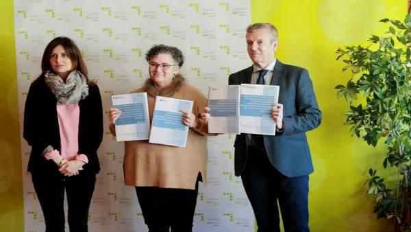 Vicepresidencia entrega informes de transparencia a la Valedora