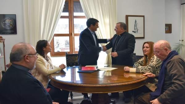 El Ayuntamiento de Baza y la Diócesis firman un acuerdo