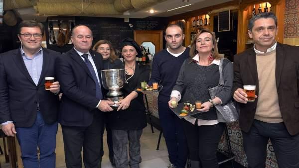 El alcalde de Antequera, Manuel Barón, y otros en la Ruta Gastroturística