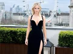 Jennifer Lawrence, ¿copió el Versace de Liz Hurley?