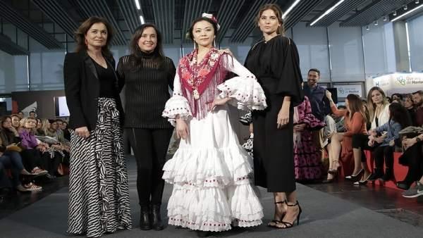 Lourdes Montes y Rocío Terry confeccionan un traje de flamenca de hilo reciclado