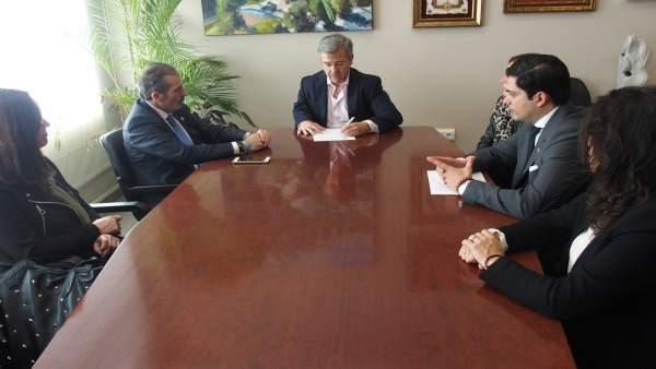 Decano colegio de abogados, Francisco Javier Lara, y alcalde de Estepona