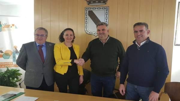 Ayuntamiento de Gibraleón firma adjudicación de obras del centro de salud.