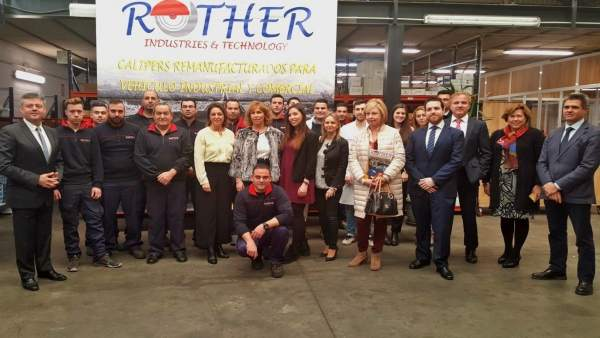 La alcaldesa visita la empresa Rother & Technology