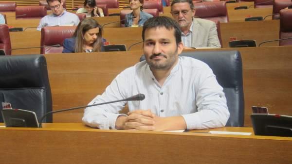 """Marzà admet que les condicions dels professors associats no són """"justes"""""""