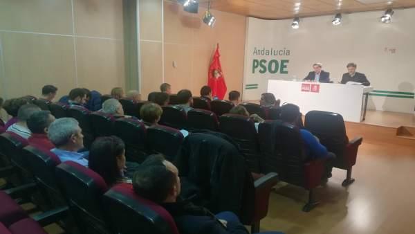 José Entrena y José Fiscal, en un encuentro con cargos del PSOE