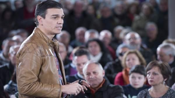 Pedro Sánchez interviene en un acto en Valladolid