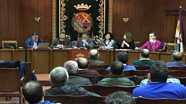 Reunión sobre la oferta de suelo industrial en el polígono de Arjona.