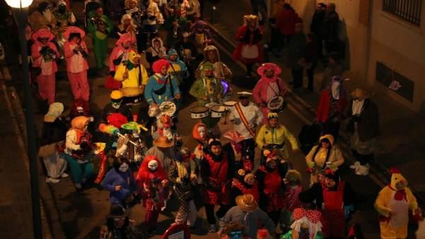 Carnaval, disfraces,máscaras, desfile