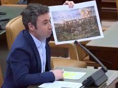 Un diputado recurre al 'Ministerio del Tiempo' para burlarse de ERC