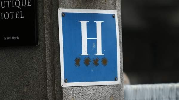 Hotel de cuatro estrellas, hoteles, turismo, alojamiento