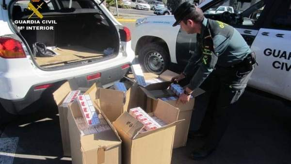 Remitiendo Np Opc Huelva 'La Guardia Civil Interviene 2.600 Cajetillas De Tabaco