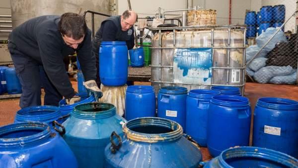 Contenedores de Recikla donde se recoge aceite doméstico usado