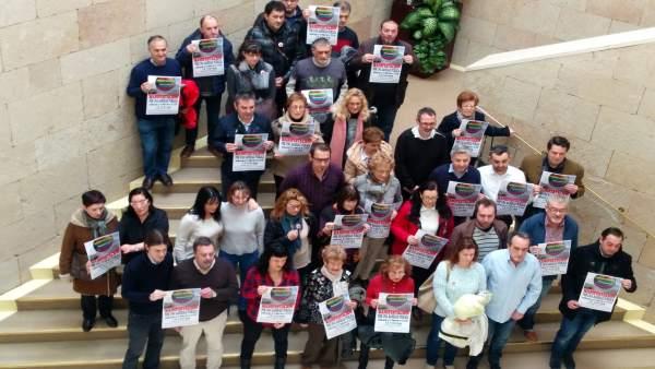 Miembros de la Plataforma, antes de la rueda de prensa