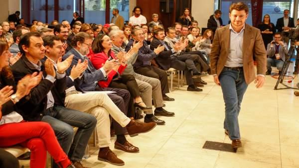 Beltrán Pérez en un acto con Mariano Rajoy