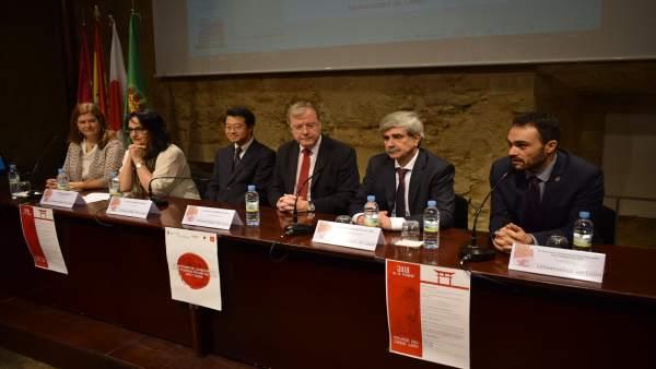 León Apuesta Por Potenciar Más Los Lazos Con Japón En La Conmemoración Del 150 A