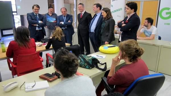 Fernández Mañueco, Lorenzo Amor y Soraya Mato en el coworking