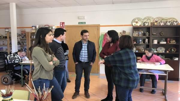 Adjuntamos Nota De Prensa Y Fotos De Hoy, 22 De Febrero, Visita Asociacion Amar