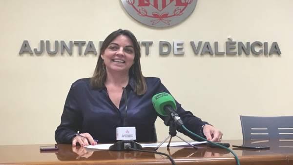 Anaïs Menguzzato durante la rueda de prensa