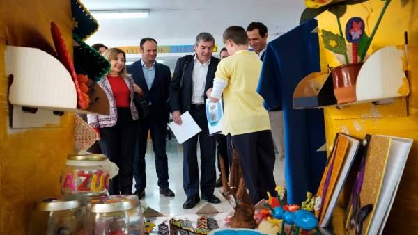Resultado de imagen de Fernando Clavijo visita el colegio bilingüe Pepe Dámaso