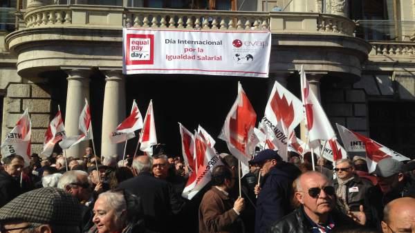 Concentración en defensa de las pensiones en València