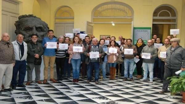 Miembros de UGT en Huelva piden igualdad salarial.