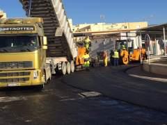 Trabajos de mantenimiento del firme en una carretera