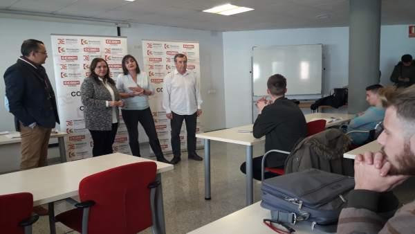 Carrillo y Borrego (centro) durante su asistencia al curso