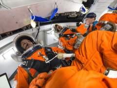 La NASA vuelve a tropezar con el traje espacial para mujeres