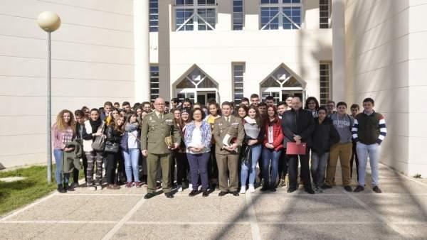 Participantes en la conexión con la base de la Antártida