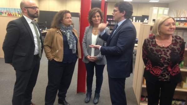 Segovia.- Mañueco, en su visita a una fábrica en el polígono Nicomedes Garcíac