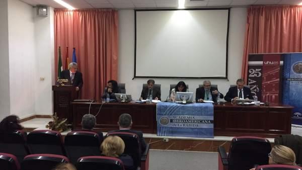 El consejero José Fiscal en un acto en la Academia Iberoamericana de La Rábida