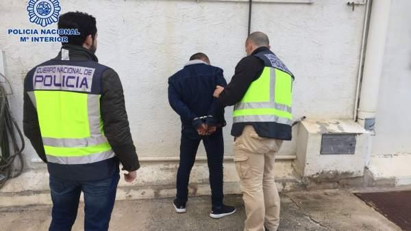 Momento de la detención a cargo de Policía Nacional