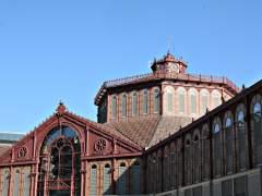 Barcelona amplía las zonas que prohíben la apertura de más tiendas de 'souvenirs'