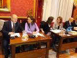 La concejal no adscrita, Pilar Rivas, junto Luis de Haro