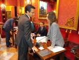 El alcalde, Francisco Cuenca, con la portavoz municipal del PP, Rocío Díaz