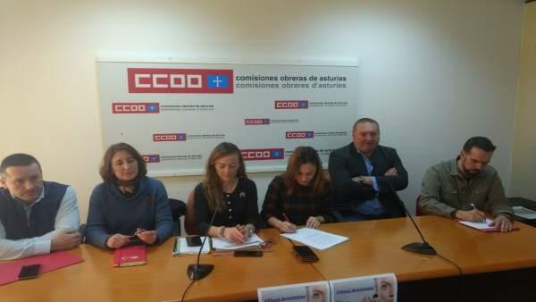 Los líderes de CCOO y UGT con Ramón Argüelles y las responsables de mujer.