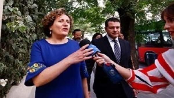 Francisca Granados y su abogado, Carlos Aránguez