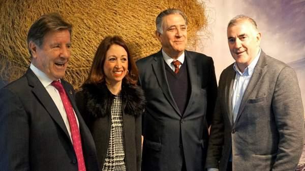 Norberto del Castillo, PAtricia Navarro, Marmolejo y Villafaina apoyo a espetos