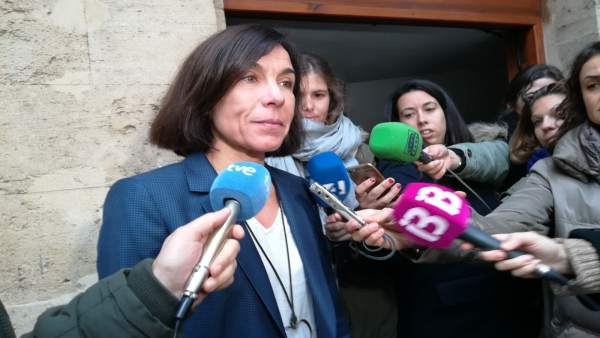 Pilar Carbonell al salir del Juzgado