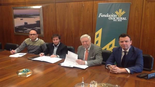 Acuerdo entre la Fundación Caja Rural del Sur y AJE.
