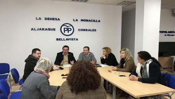 El presidente del PP de Huelva, Manuel Andrés González, en Aljaraque.