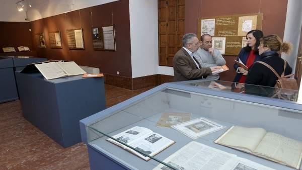 Exposición sala Antonio Montiel