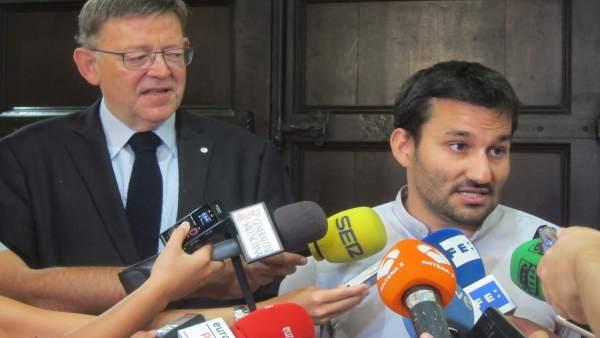 Marzá junto a Puig atendiendo a los periodistas