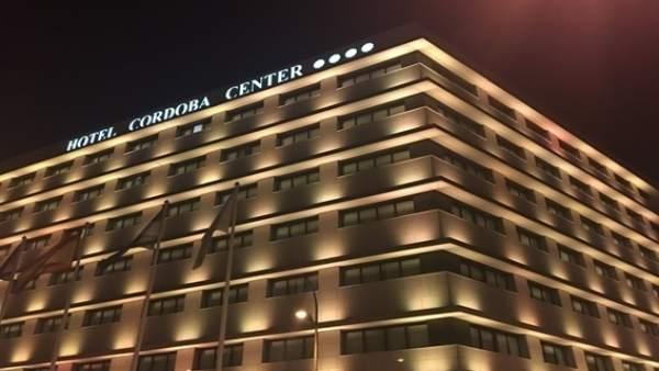 El Hotel Córdoba Center volverá a teñir su fachada de amarillo